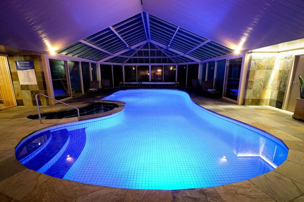 Whitesbeach Guesthouse - Indoor heated pool & spa