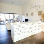 Whitesbeach Guesthouse Coach House - Living Area