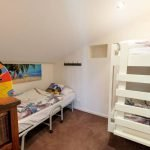 Whitesbeach Guesthouse Coach House - Single + bunk beds up stairs