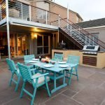 Whitesbeach Guesthouse - Courtyard with BBQ and pizza oven