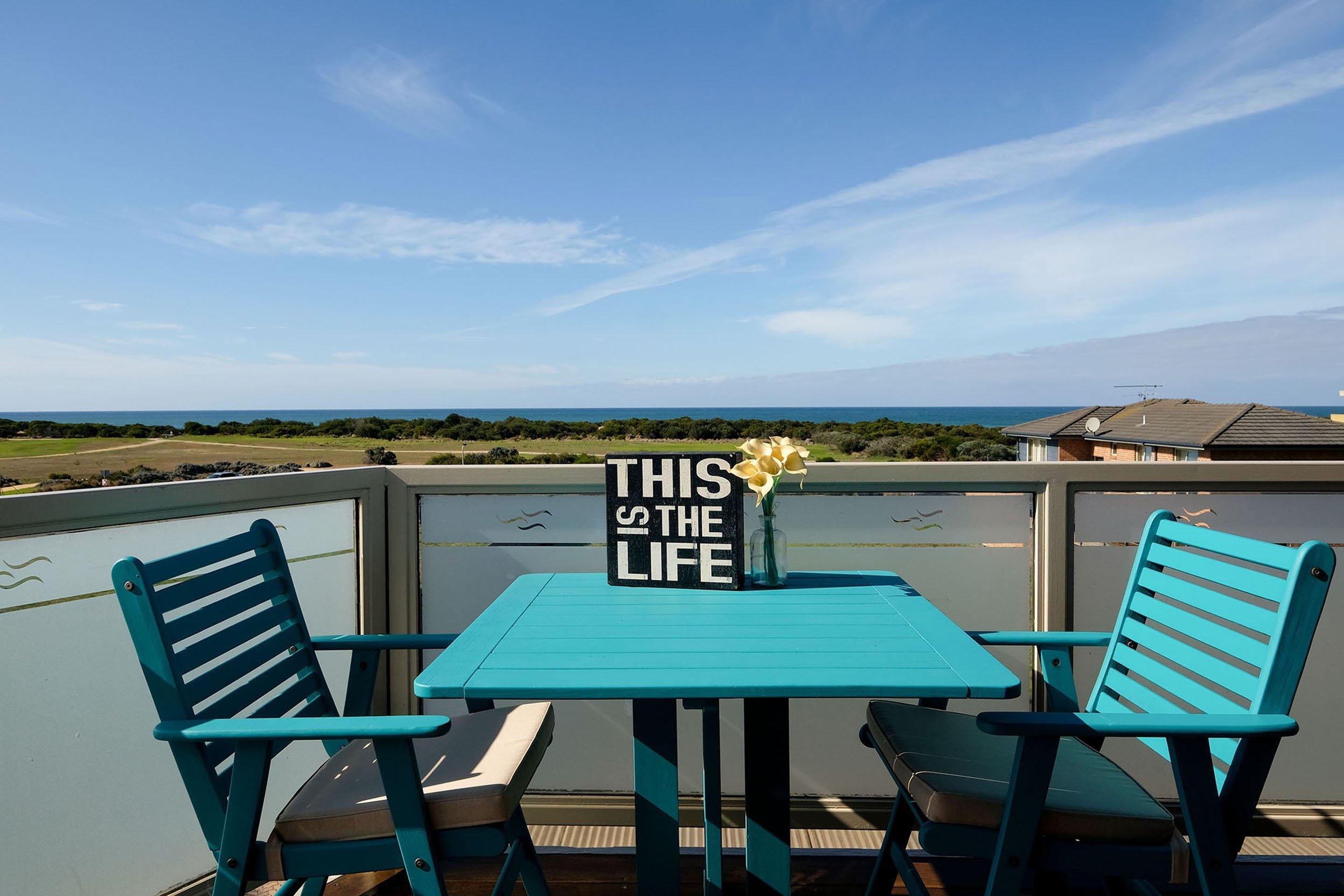 Whitesbeach guesthouse ocean balcony