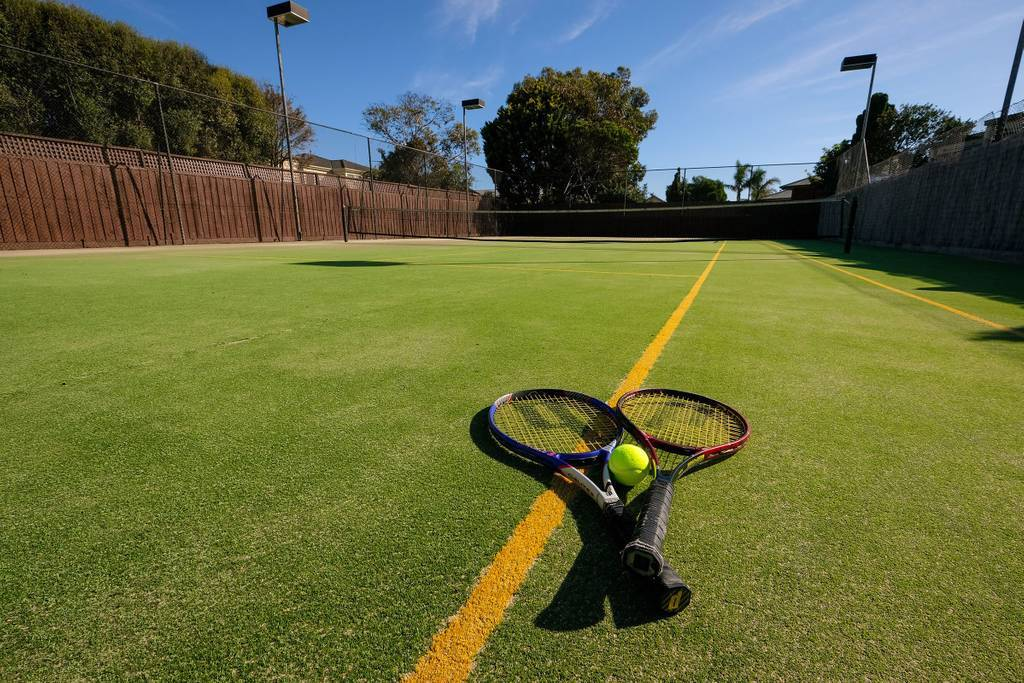 Whitesbeach Guesthouse - Tennis Court